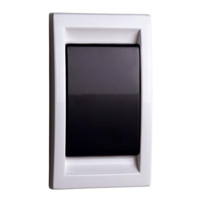 prise-murale-en-abs-blanc-noir-150-x-150-px