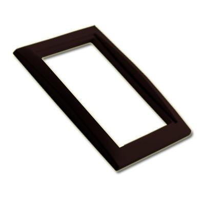 encadrement-noir-pour-prise-design-150-x-150-px